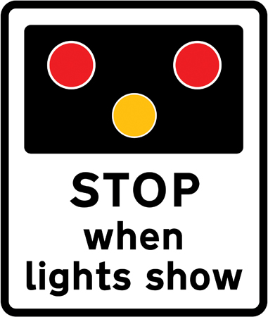 level-crossing-signs - stop when lights show
