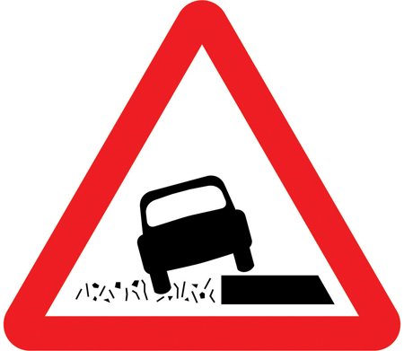 warning-signs - soft verges